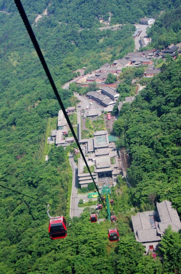 Kabelbahnen von Bergen Wudang, China lizenzfreie stockbilder