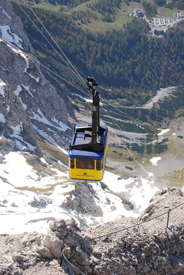Kabelbil till det Dachstein berget i Ramsau arkivfoton