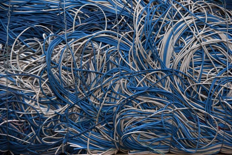Kabelt blaues Weiß lizenzfreie stockfotografie