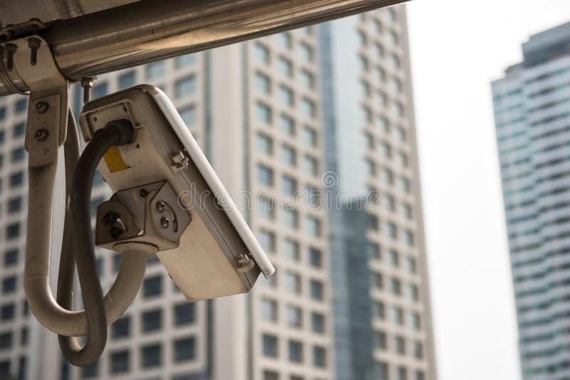 Kabeltelevisie-veiligheidscamera in stad stock afbeeldingen