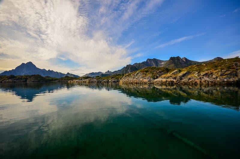 KabelvÃ¥g sur des îles de Lofoten en Norvège photo stock