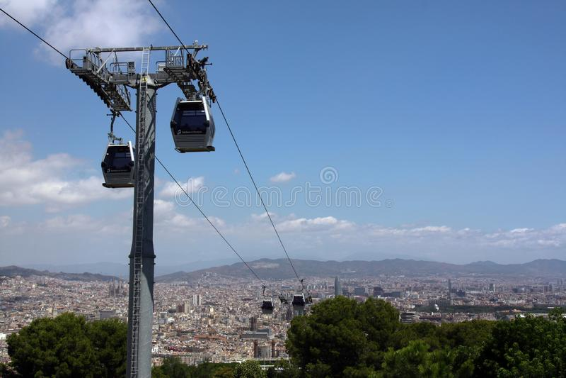 Kabelwagen over Barcelona royalty-vrije stock foto's