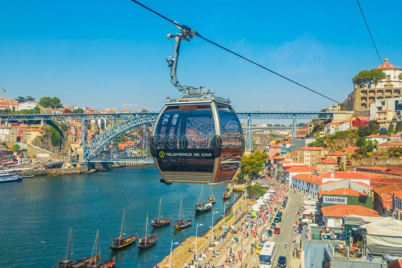 Kabelwagen in Porto stock afbeelding