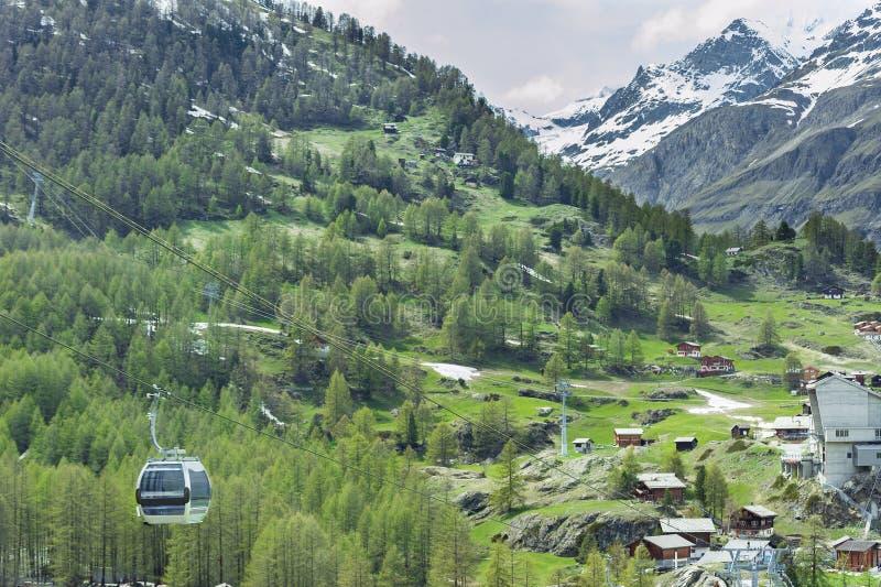 Kabelwagen in Zwitserland stock afbeeldingen
