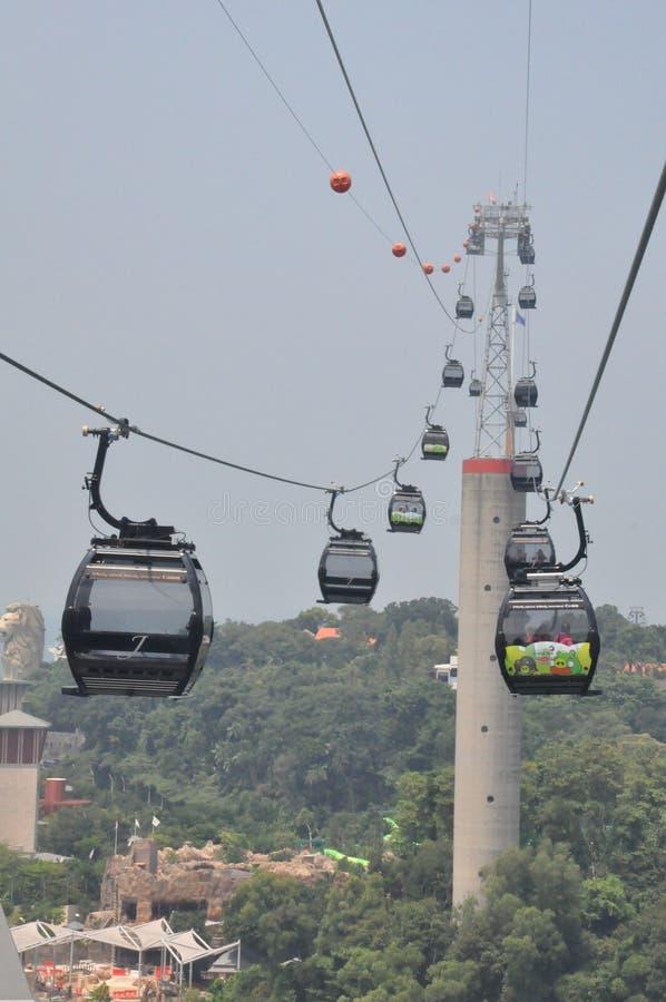 Kabelwagens van Singapore aan Sentosa-Eiland royalty-vrije stock afbeeldingen