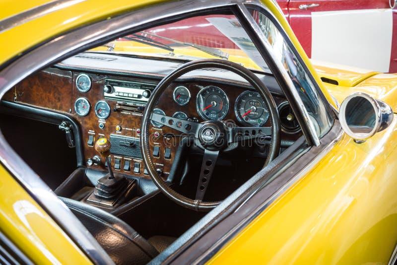 Kabin av sportbilen Lotus Elan +2 RHD, 1971 fotografering för bildbyråer