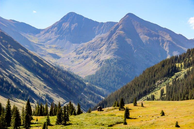 Kabin för guld- gruvarbetare i Colorado royaltyfria bilder