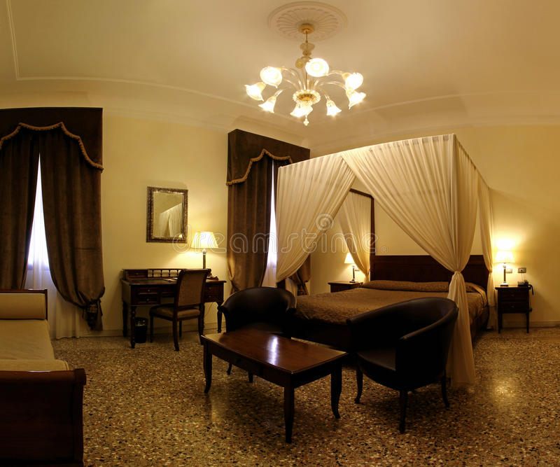 Kabinendachschlafzimmer Sepia lizenzfreies stockfoto