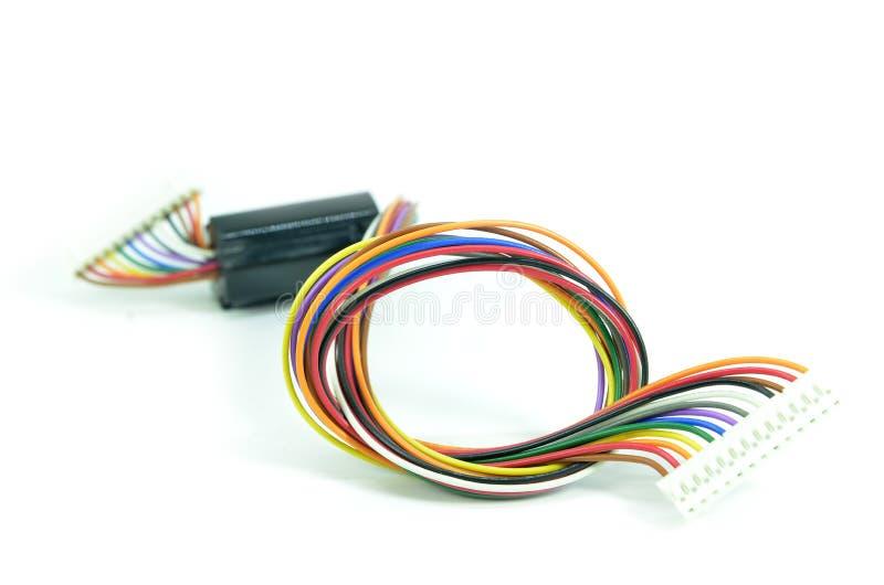 kable zamykają kolorowy elektrycznego odizolowywającego w górę biel obrazy stock