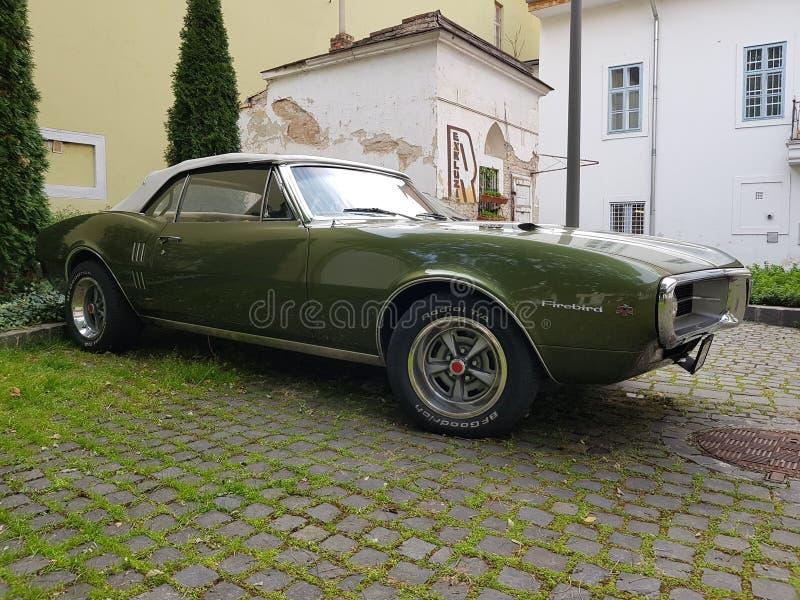 Kabriolett Pontiac Firebird 400 lizenzfreie stockfotos