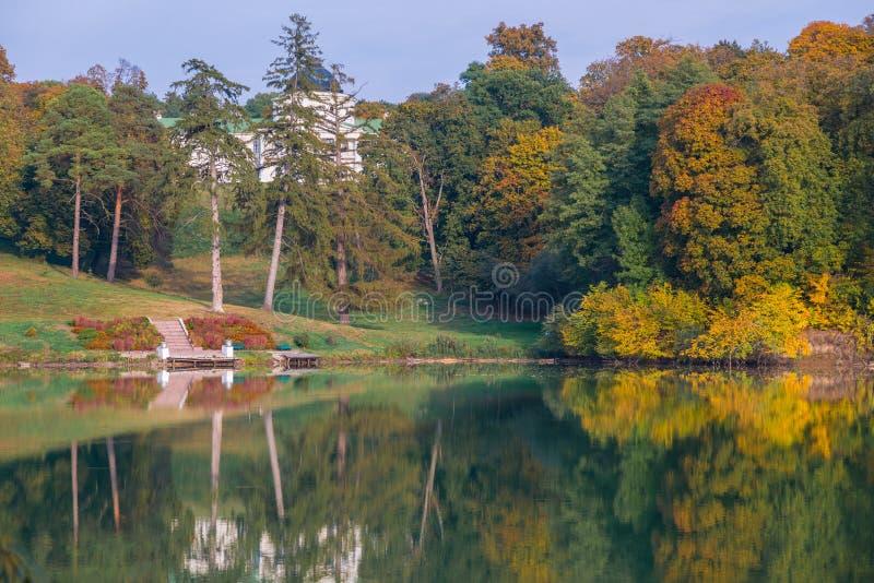 Kachanovka est le meilleur dans la saison d'automne photo libre de droits
