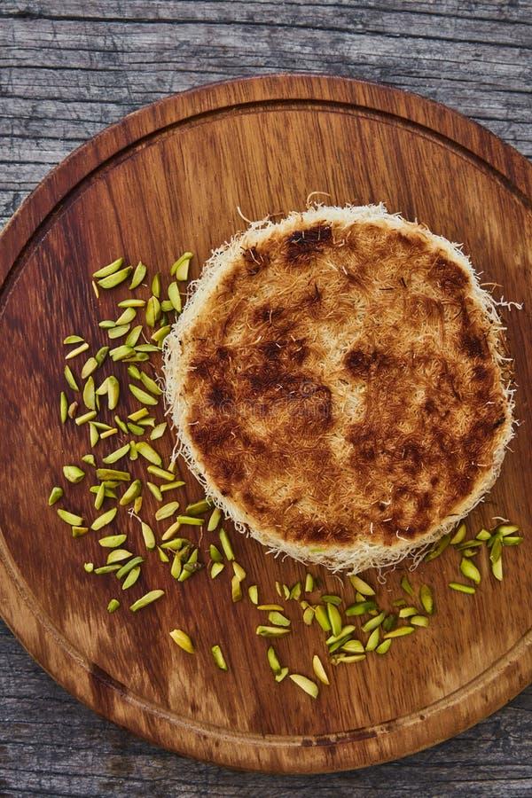 Kadaifi με τα καρύδια pistacio στοκ φωτογραφίες