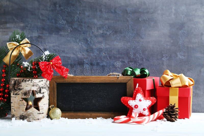 Kader met Kerstmisdecoratie stock afbeeldingen