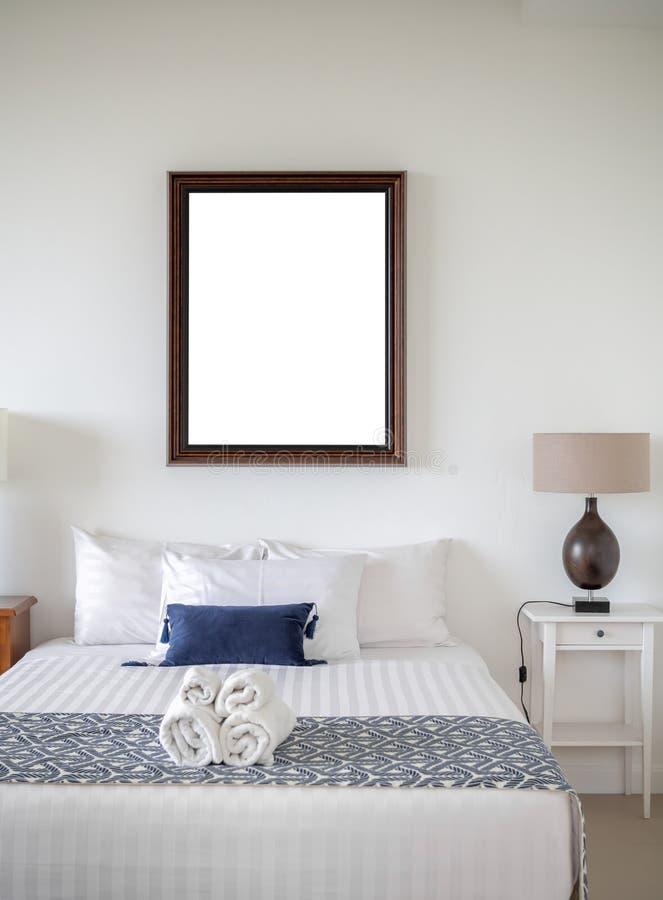 Kader in slaapkamer royalty-vrije stock foto