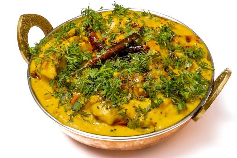 Kadhi Pakoda eller pakora, indisk kokkonst, selektiv fokus arkivbilder