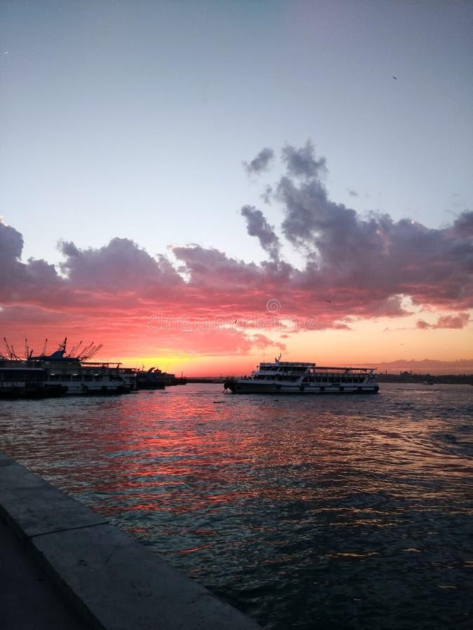 Kadikoy solnedgång arkivbild