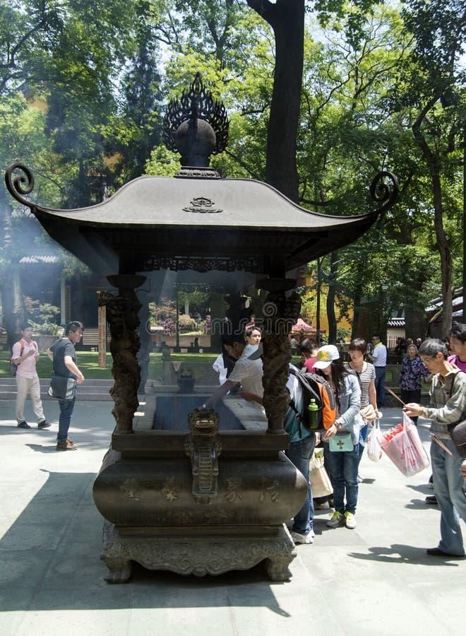 Kadzidłowy palnik przy Chan Lingyin Buddyjską świątynią obraz royalty free