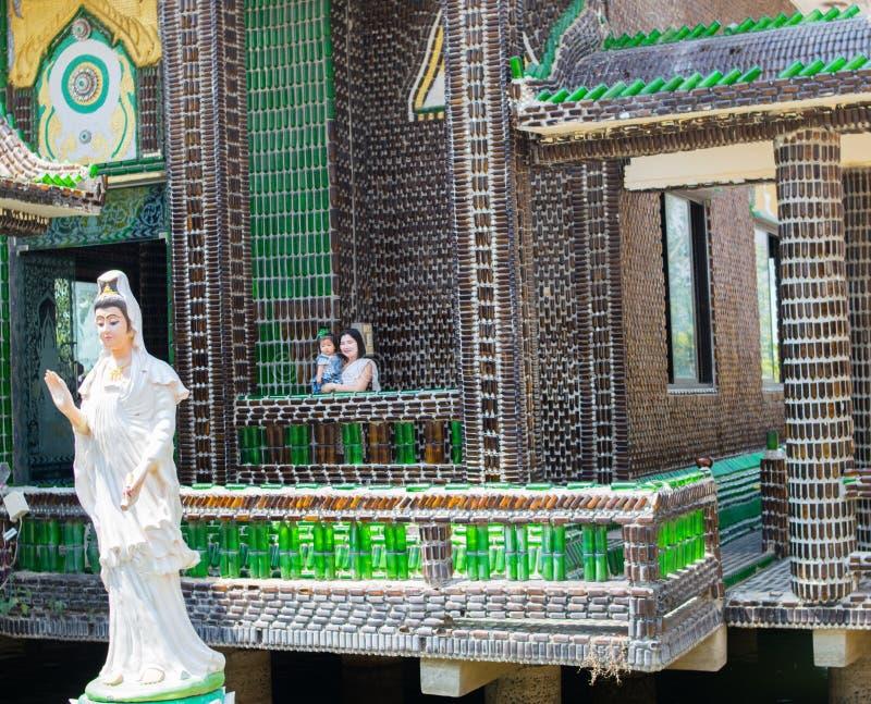 Kaeo de PA Maha Jedi de Wat et x28 ; Bottles& x29 de WAT million ; dans le sisaket, la THAÏLANDE 2017 photographie stock