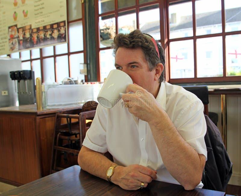 Kafé som dricker kaffe royaltyfria foton