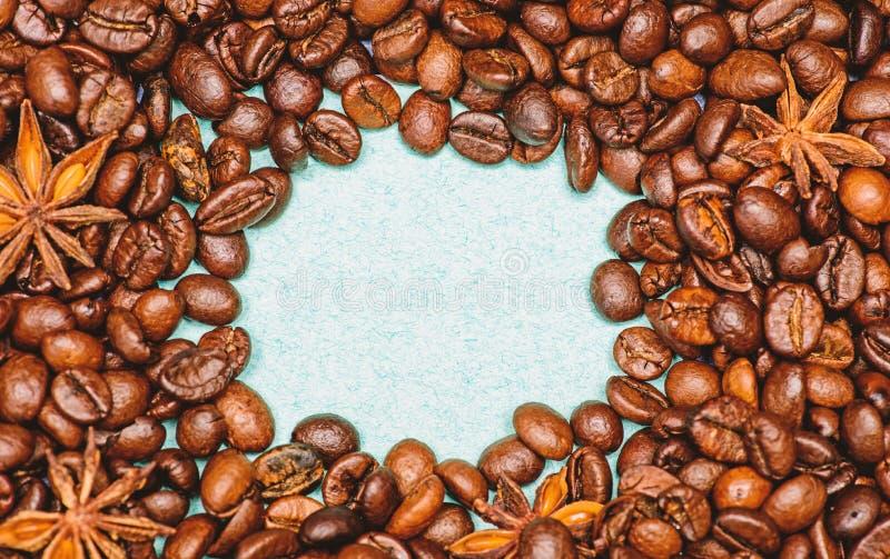 Kaffe f?r inspiration- och energiladdning Textur och bakgrundsbegrepp Coffee shop eller lager Grad av att grilla royaltyfria bilder