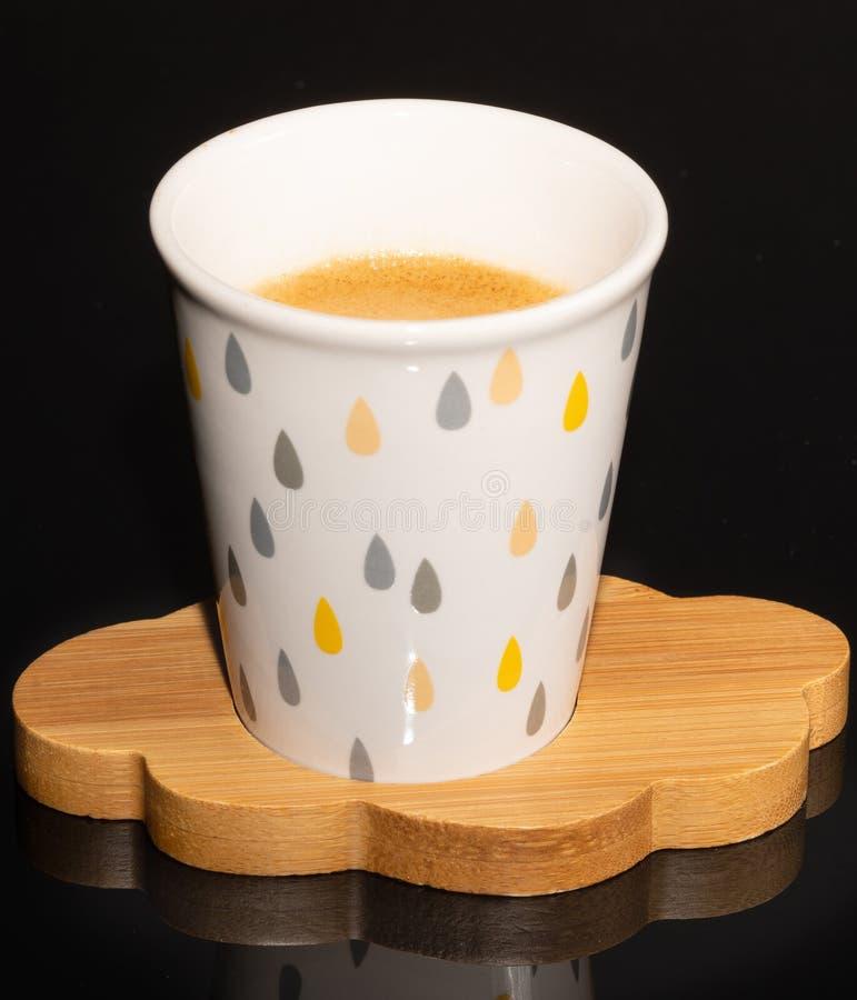 Kaffe Kopp Trä beverly hals _ arkivbilder