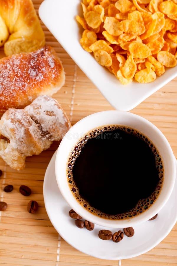 Kaffe med gifflet arkivfoto