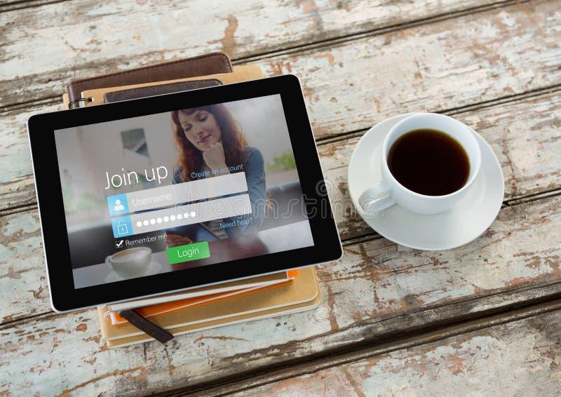 kaffe med minnestavlan och böcker Inloggning på skärmen royaltyfri bild