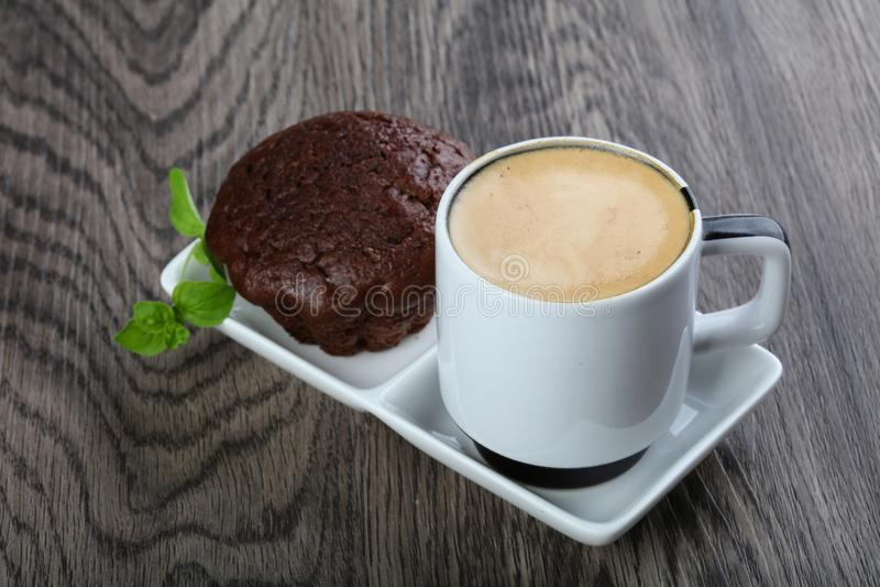 Kaffe med muffinen royaltyfri fotografi