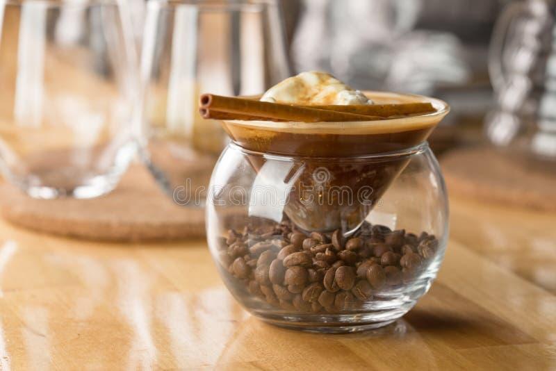 Kaffe med vaniljglass arkivfoton
