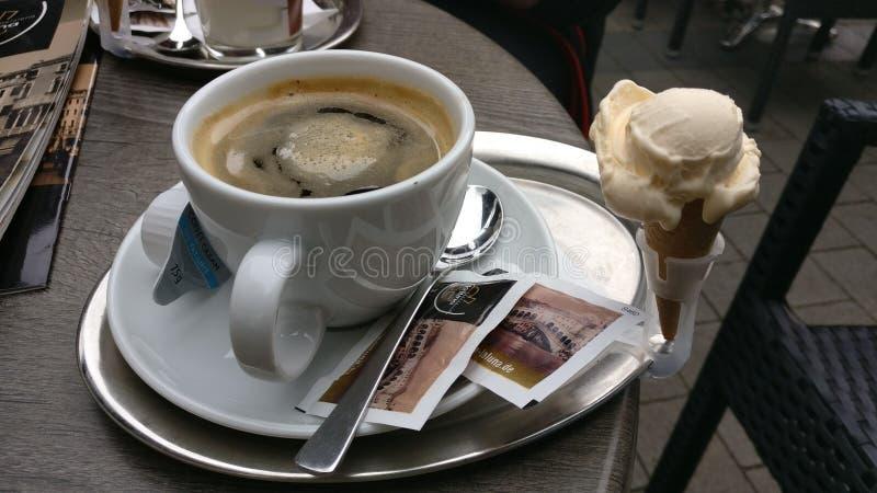 kaffe mer tid royaltyfri bild