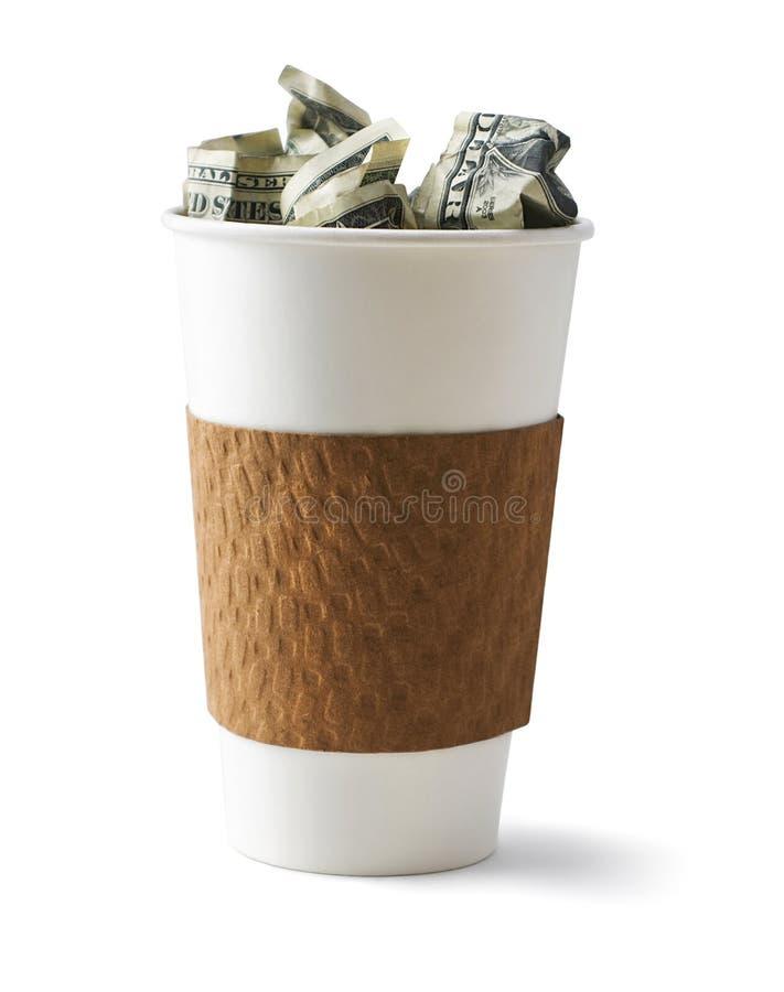 Kaffe som fylls med kassa royaltyfri foto