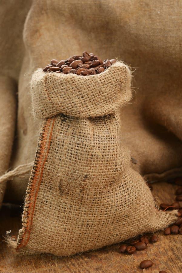 Download Kaffebönor arkivfoto. Bild av materiel, fotografi, frö - 27285204