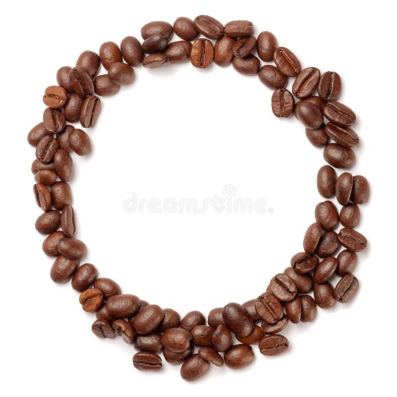 Kaffebönor i form av ring royaltyfri fotografi