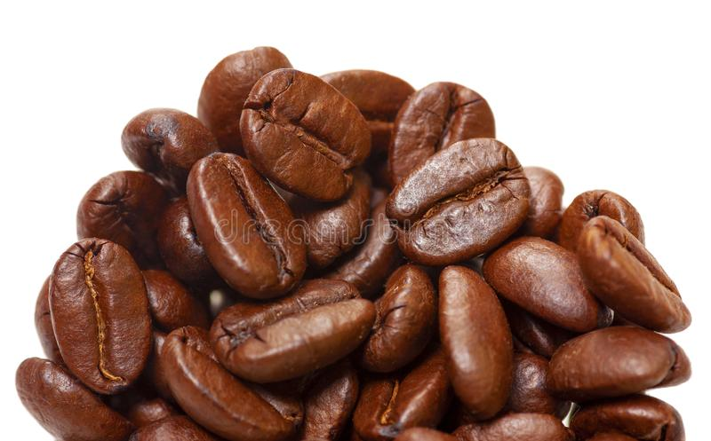 Kaffebönor i nära vy Vyn Mjuk fokus arkivfoton