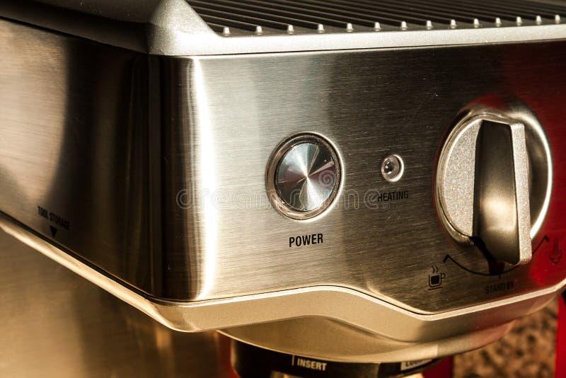 Kaffebryggaremaskin fotografering för bildbyråer