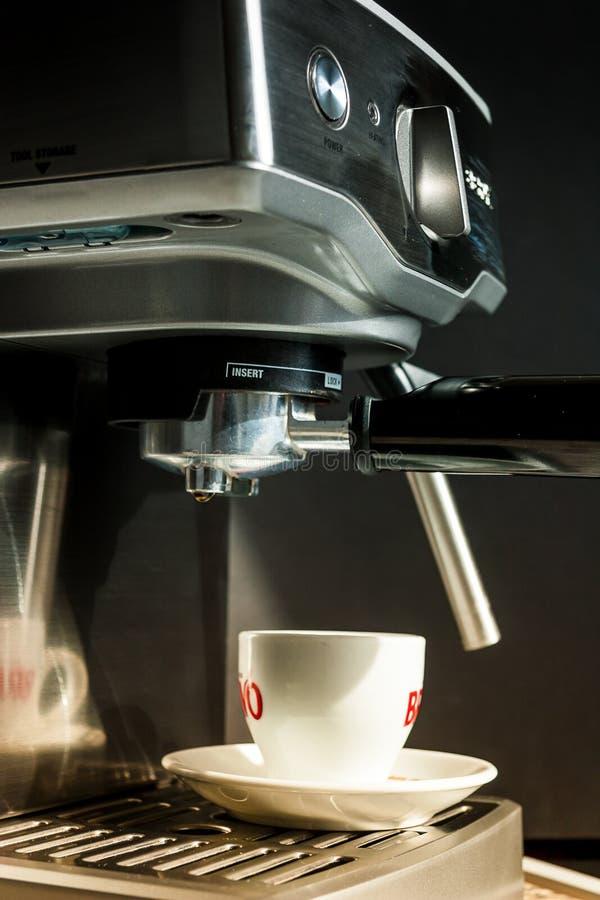Kaffebryggaremaskin royaltyfri foto