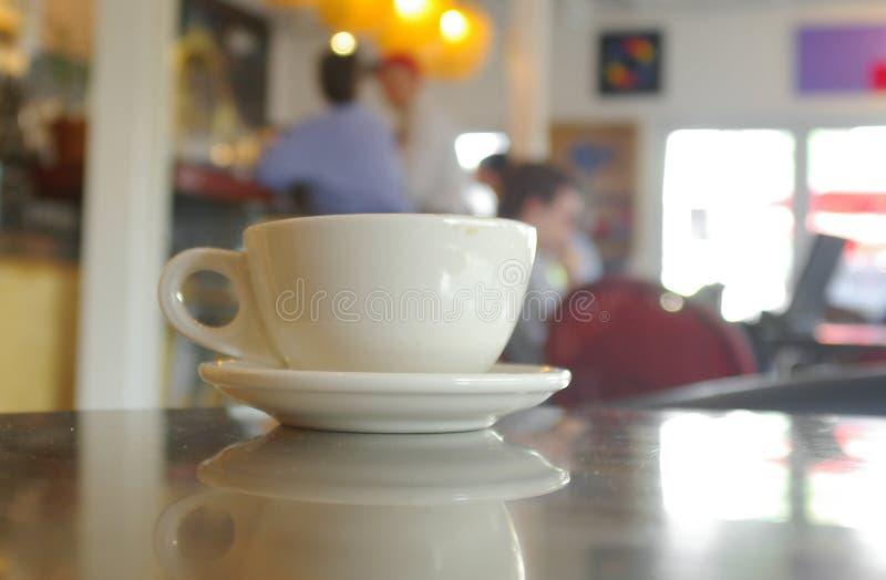 Am Kaffee stockbilder
