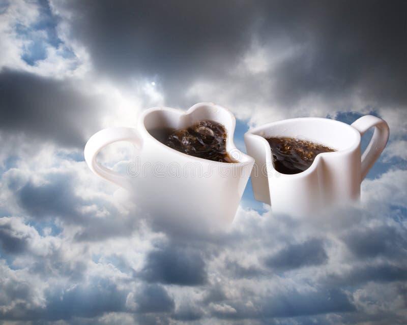 Kaffee in den Wolken stockfotografie