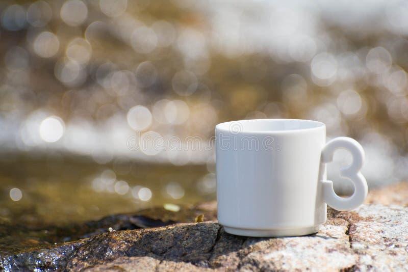 Kaffee, der natürliche Wasserfall in Thailand lizenzfreie stockfotos