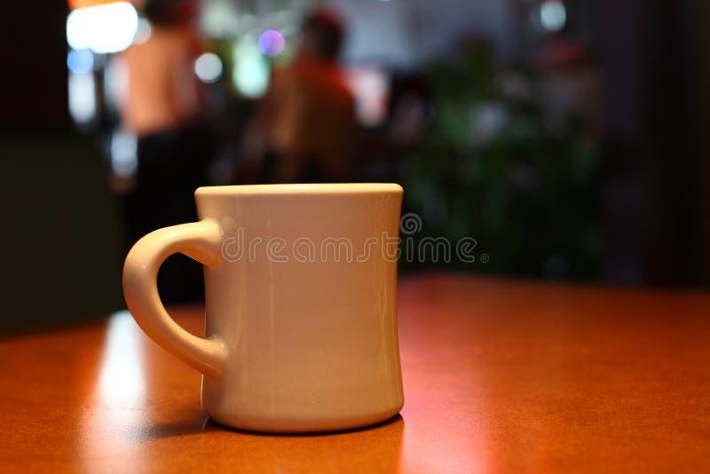 Kaffee an einem Restaurant lizenzfreie stockbilder