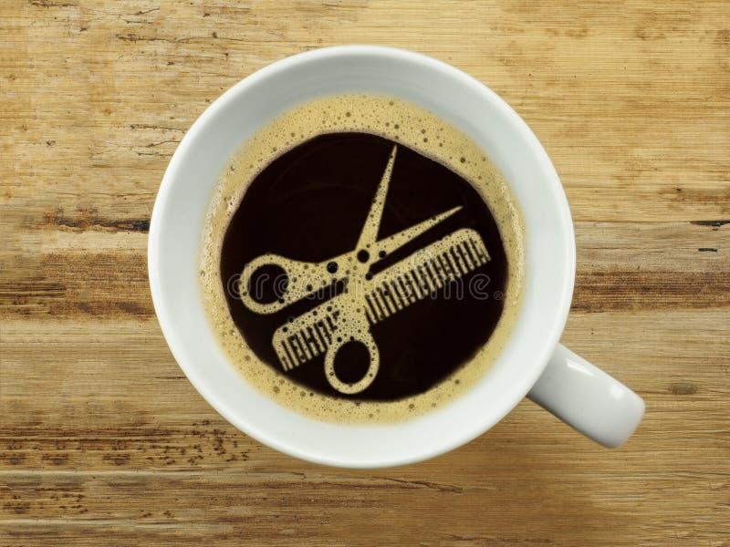 Kaffee am Friseur stockfoto