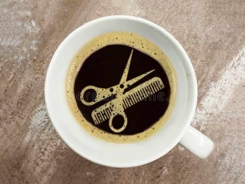 Kaffee am Friseur lizenzfreies stockfoto