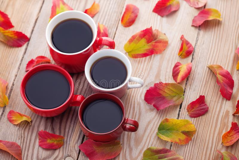 Kaffee mit Freunden lizenzfreies stockfoto