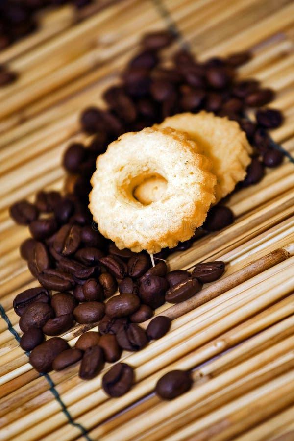 Kaffee und Biskuit lizenzfreie stockfotos