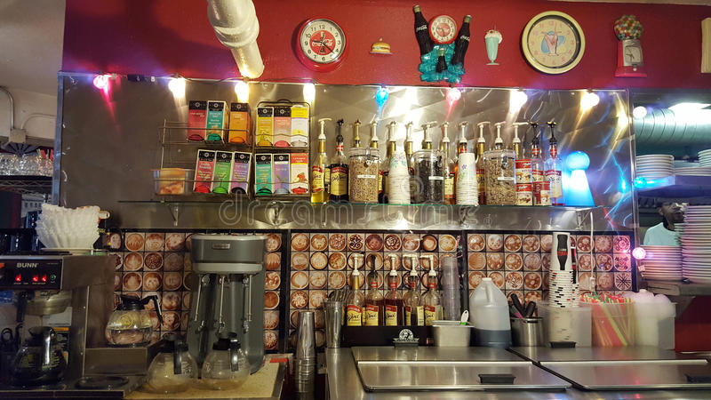 Kaffee- und Getränkstation innerhalb des Planeten Java Diner stockfotografie