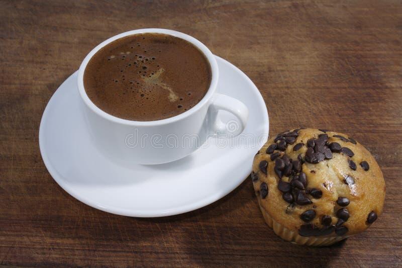 Kaffee und Muffin lizenzfreies stockfoto