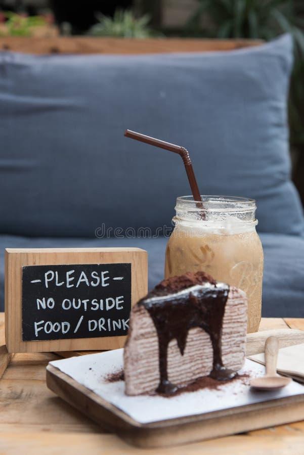 Kaffee und Nachtisch lizenzfreie stockfotos
