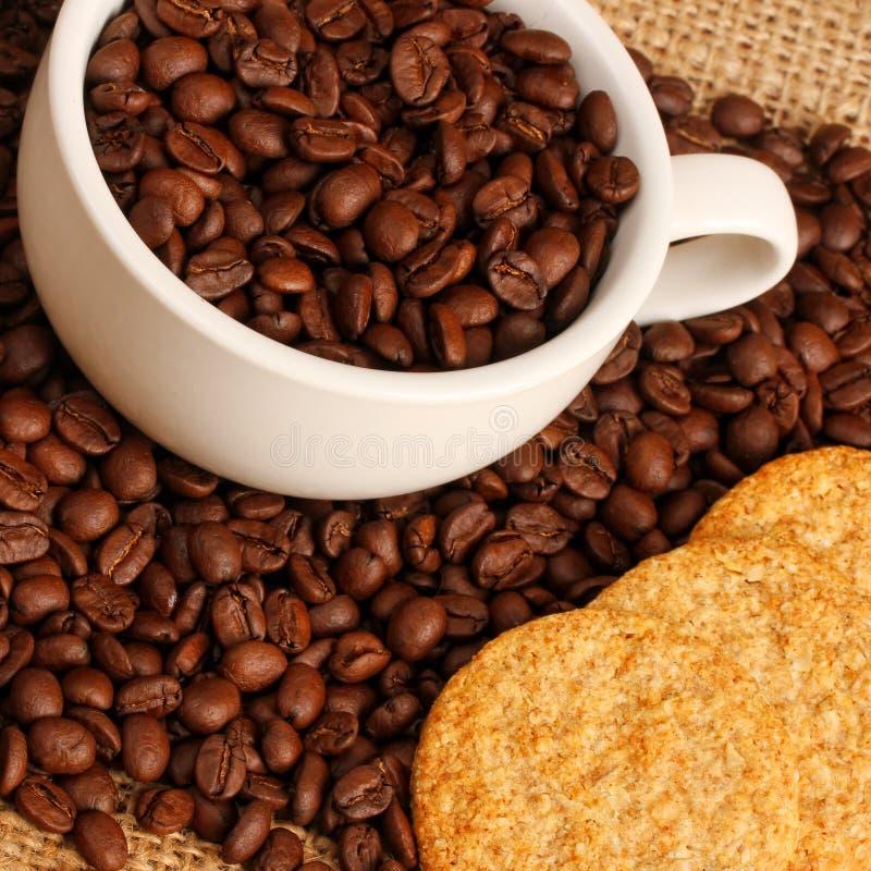 Kaffee und Plätzchen stockfoto