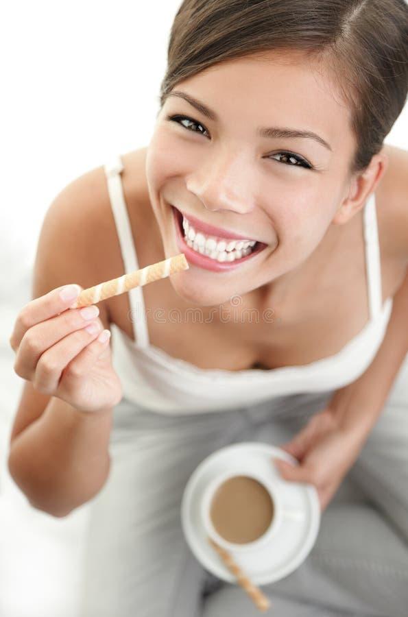 Kaffee- und Plätzchenimbiß lizenzfreie stockfotos