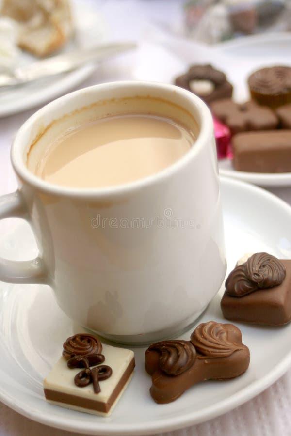 Kaffee und Trüffeln stockfoto